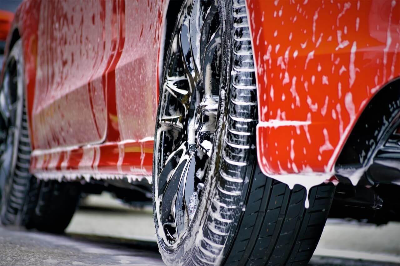 Jak otworzyć myjnię samochodową krok po kroku?